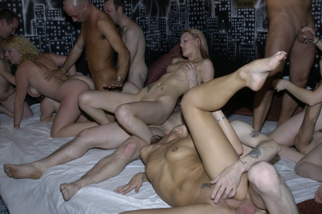 Amateur anal group sex party